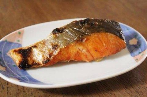 鮭の皮 鮭 食べ残し 栄養